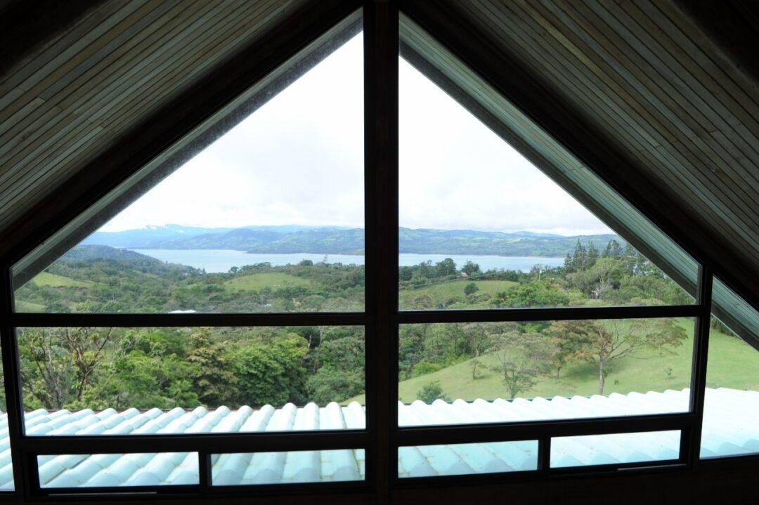 lake view home private